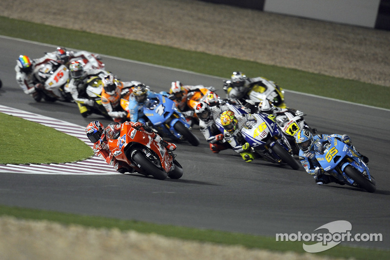 Start: Casey Stoner, Ducati Marlboro Team, leads the field