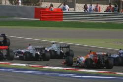 Start: Robert Kubica, BMW Sauber F1 Team and Nelson A. Piquet, Renault F1 Team