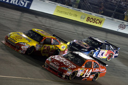 Tony Stewart, Stewart-Haas Racing Chevrolet, Kevin Harvick, Richard Childress Racing Chevrolet, Brian Vickers, Red Bull Racing Team Toyota
