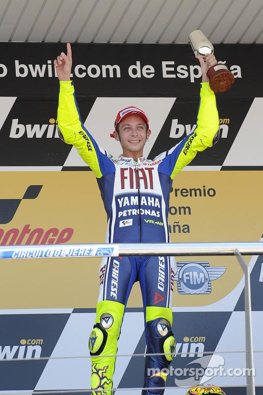 Podio: ganador de la carrera Valentino Rossi, celebra el Fiat Yamaha Team