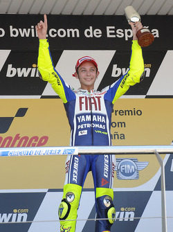 Podium: race winner Valentino Rossi, Fiat Yamaha Team celebrates