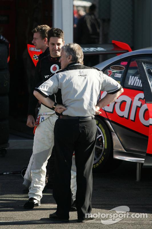 Jamie Whincup talking to Tom Walkinshaw