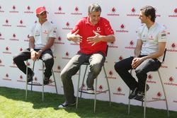 Lewis Hamilton, McLaren Mercedes, Pedro de la Rosa, Test Driver, McLaren Mercedes
