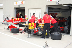 Newman/Haas/Lanigan Racing team members at work
