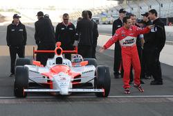 Front row shoot: Helio Castroneves, Penske Racing doing a little dance