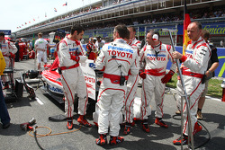 Toyota mechanics hiding their rear diffuser