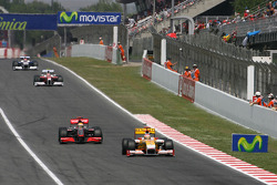 Fernando Alonso, Renault F1 Team y Lewis Hamilton, McLaren Mercedes