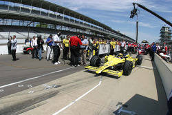 Sarah Fisher, Sarah Fisher Racing waits to qualify