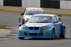 Nick Leason leads Martyn Bell
