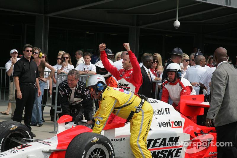 2009 - Helio Castroneves conquista o tri