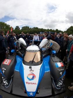 #8 Team Peugeot Total Peugeot 908 arrives at scrutineering