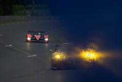 #99 JMB Racing Ferrari F430 GT: Christophe Bouchut, Manuel Rodrigues, Yvan Lebon receives a blue flag