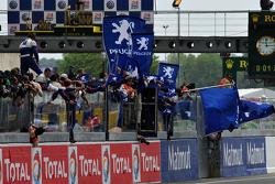 The Peugeot Sport team celebrates