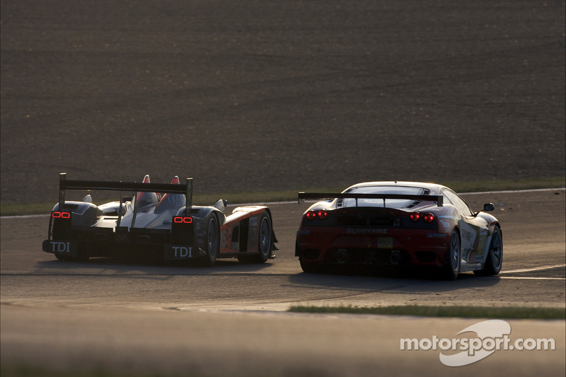 #15 Team Kolles Audi R10 TDI: Christijan Albers, Christian Bakkerud, Giorgio Mondini, #78 AF Corse Ferrari F430 GT: Gianmaria Bruni, Luis Perez-Companc, Mattias Russo