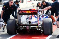Sebastian Vettel, Red Bull Racing get puhed back / new rear diffusor