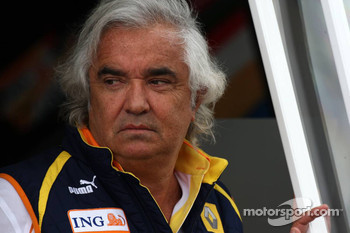 Briatore made a payment for me but only because I asked him, says Ecclestone