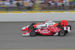 Helio Castroneves, Team Penske and Scott Dixon, Target Chip Ganassi Racing run together