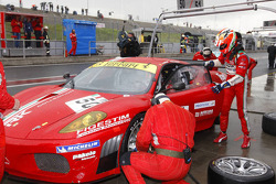 Pit stop for #50 AF Corse Ferrari 430 GT2: Toni Vilander, Gianmaria Bruni
