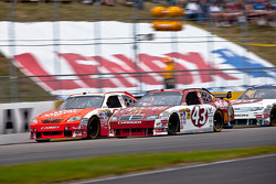 Joey Logano, Joe Gibbs Racing Toyota, Reed Sorenson, Richard Petty Motorsports Dodge