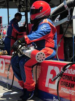 The fueler for Hideki Mutoh, Andretti Green Racing
