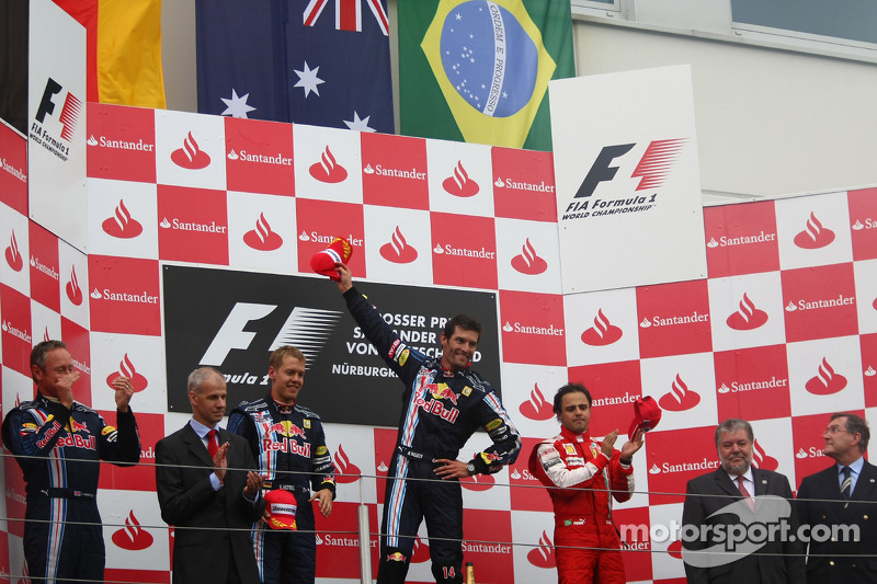 Podium: race winner Mark Webber, Red Bull Racing, second place Sebastian Vettel, Red Bull Racing, and third place Felipe Massa, Scuderia Ferrari