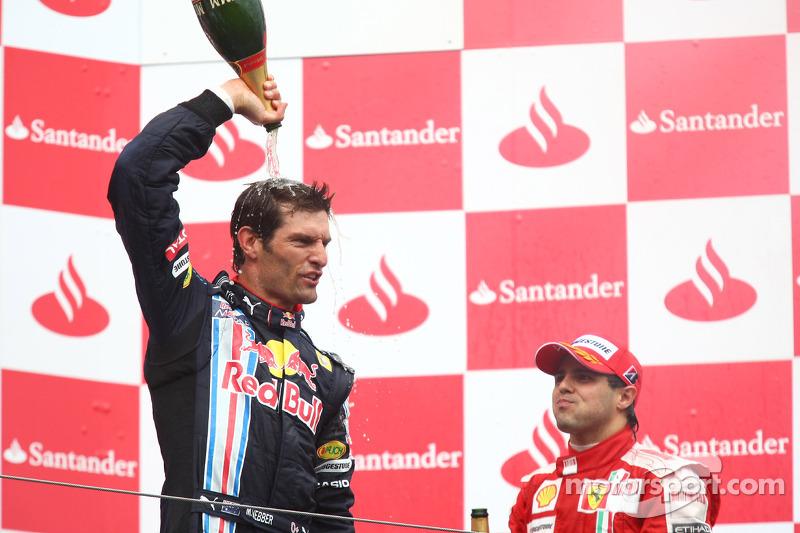 Podium: race winner Mark Webber, Red Bull Racing celebrates with champagne
