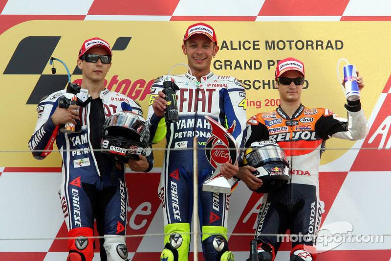 Podium: Sieger Valentino Rossi, 2. Jorge Lorenzo, 3. Dani Pedrosa