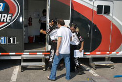 Jacques Villeneuve goes to NASCAR Canadian Tire Series transporter