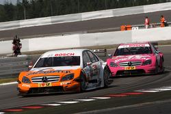 Gary Paffett, Team HWA AMG Mercedes C-Klasse leads Susie Stoddart, Persson Motorsport, AMG Mercedes C-Klasse