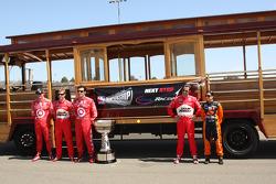 Top five in points photoshoot: Scott Dixon, Target Chip Ganassi Racing, Ryan Briscoe, Team Penske, Dario Franchitti, Target Chip Ganassi Racing, Helio Castroneves, Team Penske, Danica Patrick, Andretti Green Racing