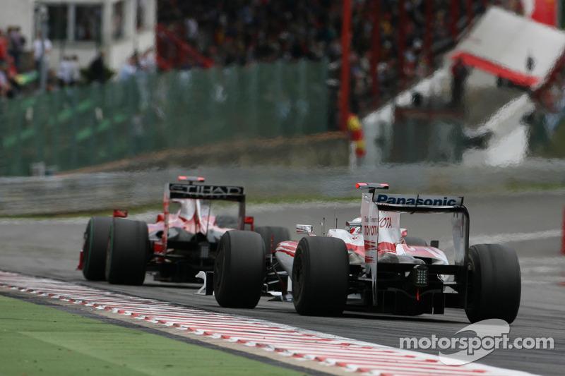Jarno Trulli, Toyota F1 Team ve Luca Badoer, Scuderia Ferrari