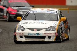 Paul O'Neill leads Dave Pinkney