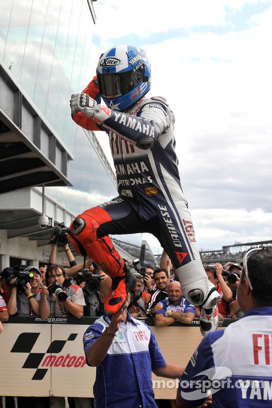 Ganador de la carrera Jorge Lorenzo, Fiat Yamaha Team, celebra