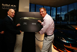 Adrian Newey, Chief Technical Officer Red Bull Racing und Marek Reichman, Kreativ- und Design Direktor  Aston Martin