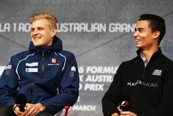 Marcus Ericsson, Sauber F1 Team, und Pascal Wehrlein, Manor Racing