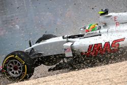 Esteban Gutierrez, Haas F1 Team VF-16, fuori pista