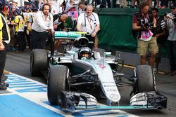Sieger Nico Rosberg, Mercedes AMG F1 im Parc Ferme
