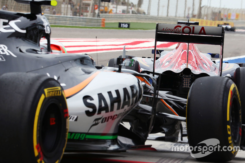 Max Verstappen, Scuderia Toro Rosso STR11 y Alfonso Celis Jr., Sahara Force India F1 VJM09