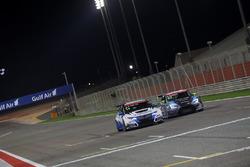 Аку Пеллинен, Honda Civic TCR  West Coast Racing и Душан Боркович, Seat Leon B3 Racing Team Hungary