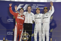 Podium: winner Nico Rosberg, Mercedes AMG F1 Team, Aldo Costa, Mercedes AMG F1 Engineering Director, second place Kimi Raikkonen, Ferrari, third place Lewis Hamilton, Mercedes AMG F1 Team