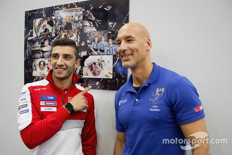 Andrea Iannone, Ducati team con el astronauta Luca Parmitano