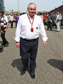 ألان جونز، مفوض الإتحاد الدولي للسيارات