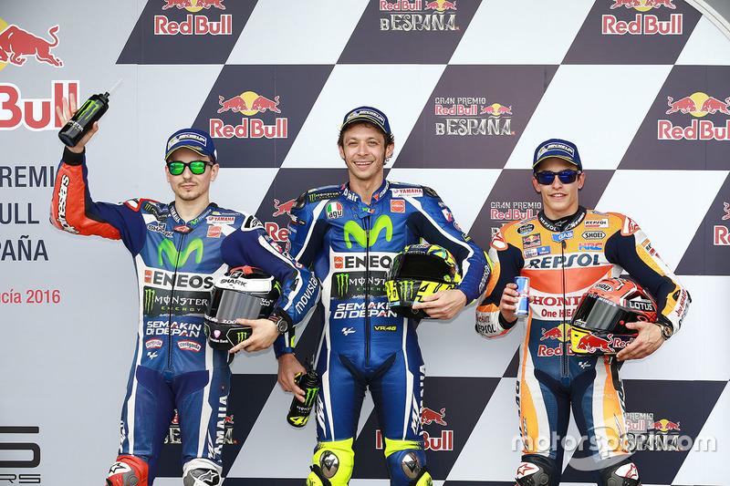 Ganador de la pole Valentino Rossi, Yamaha Factory Racing, segundo lugar Jorge Lorenzo, Yamaha Factory Racing, tercer lugar Marc Márquez, Repsol Honda Team