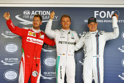 Ganador de la pole: Nico Rosberg, Mercedes AMG F1 Team, segundo lugar Sebastian Vettel, Ferrari, tercer lugar Valtteri Bottas, Williams