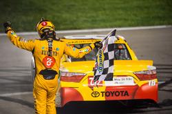 Kyle Busch, Joe Gibbs Racing Toyota pemenang lomba