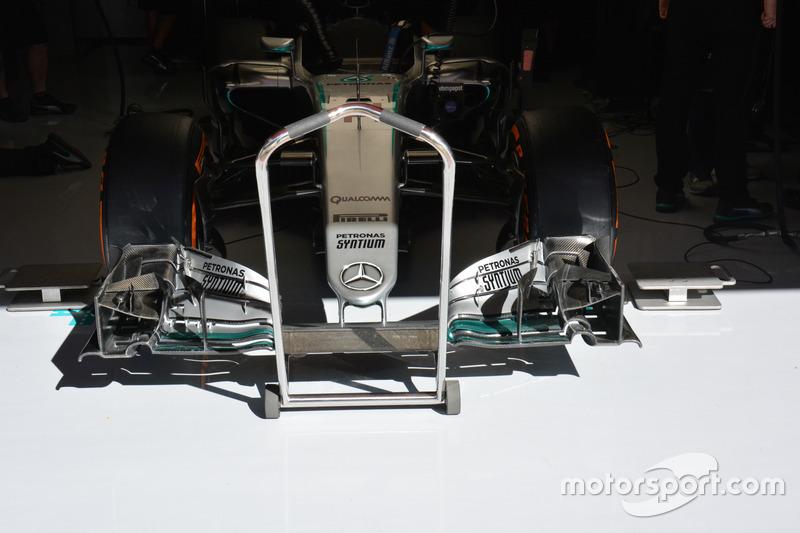 Détails de l'aileron avant de la Mercedes AMG F1 W07