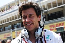 Toto Wolff, directeur exécutif Mercedes AMG F1 sur la grille