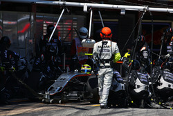 Sergio Perez, Sahara Force India F1 VJM09 makes a pit stop