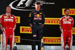 Подиум: Кими Райкконен, Ferrari- второй; Макс Ферстаппен, Red Bull Racing, - победитель гонки; Себастьян Феттель, Ferrari - третий