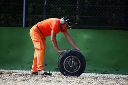 Marshall recovers wheel